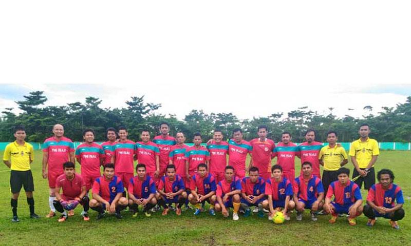 Tim Sepakbola PORWANAS PWI Uji Coba Karyawan UR